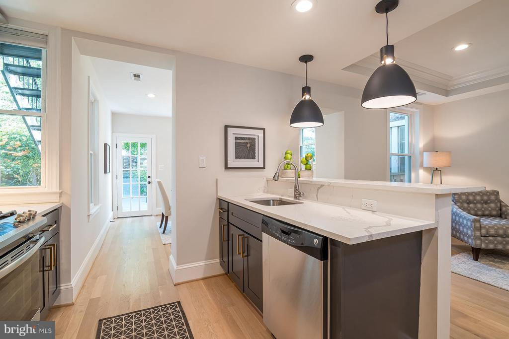 1374 TAYLOR ST NW preview