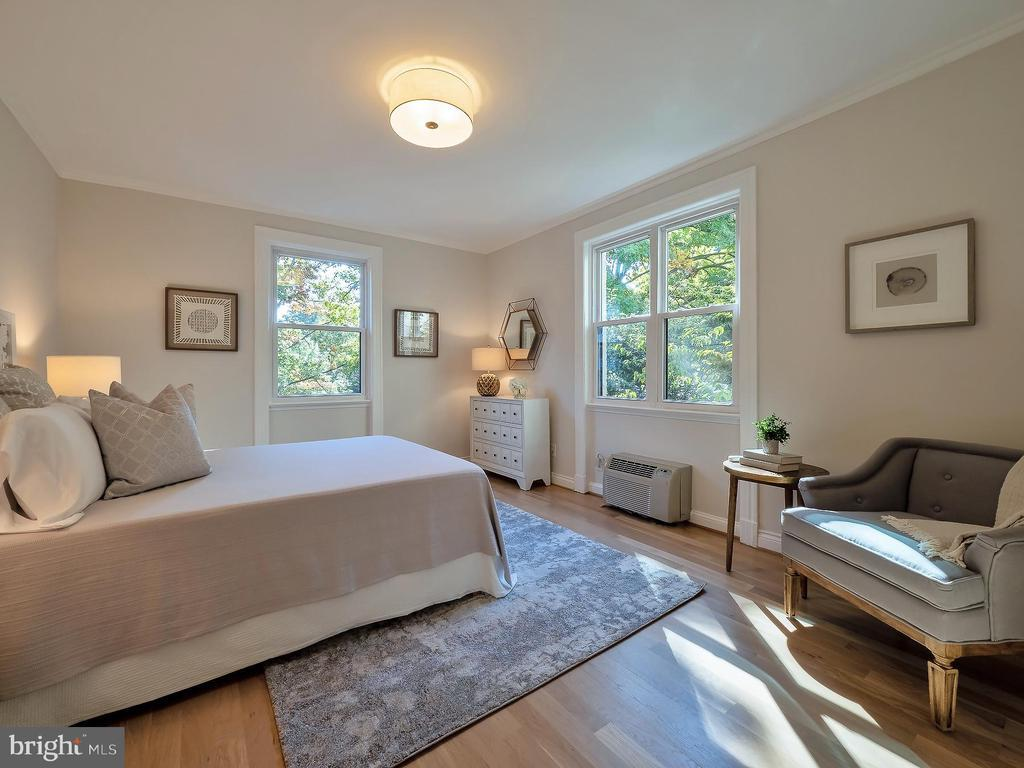 3100 CONNECTICUT AVE NW #240 preview