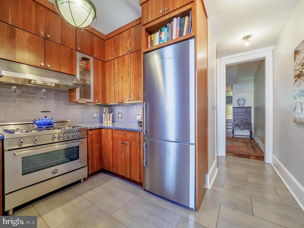2602 MOZART PL NW preview