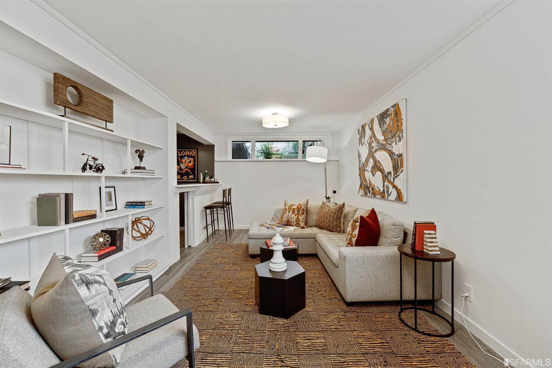 2450 Quintara Street preview