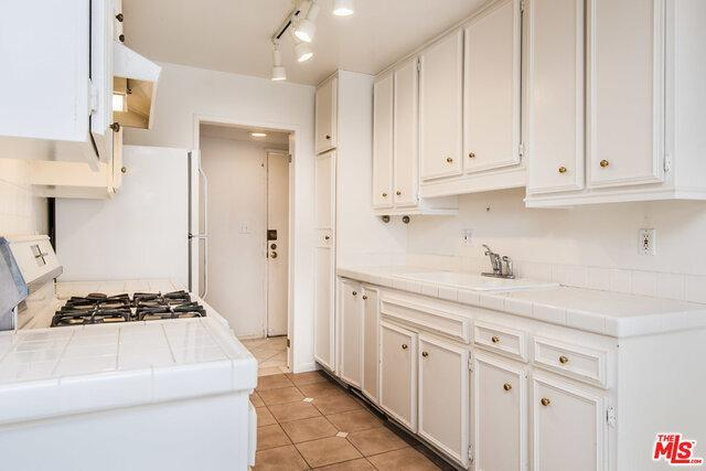 1865 GREENFIELD AVE # 203 preview