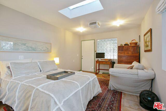 Adjacent Properties in Los Feliz photo