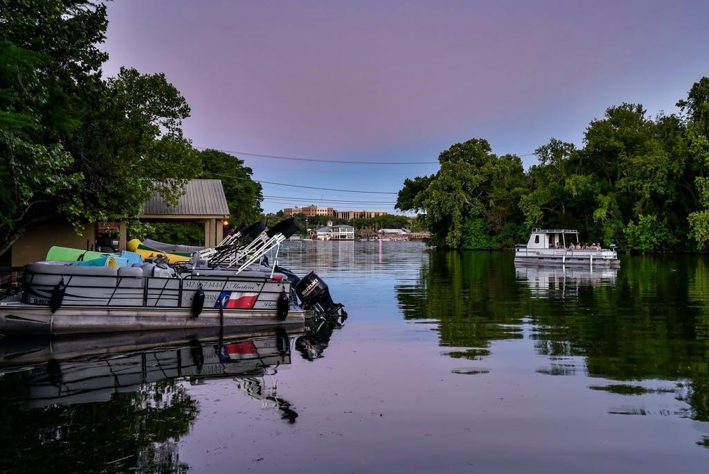1712 Lakeshore DR photo
