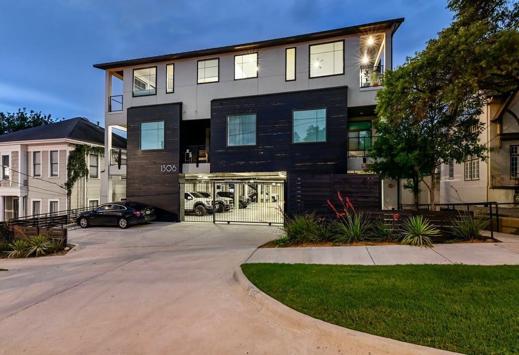 1306 West Ave Unit: 305 photo