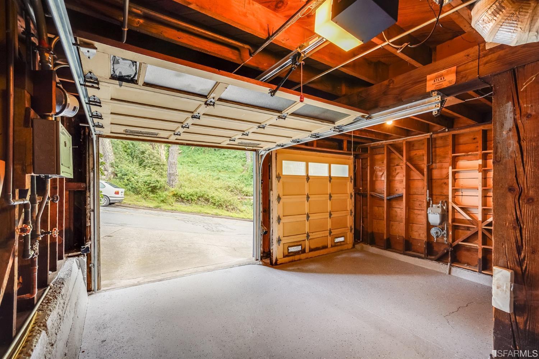 70 Rockridge Drive photo