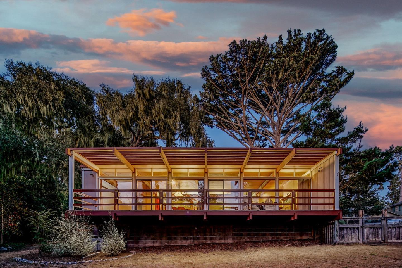 Century Modern in Pacific Grove