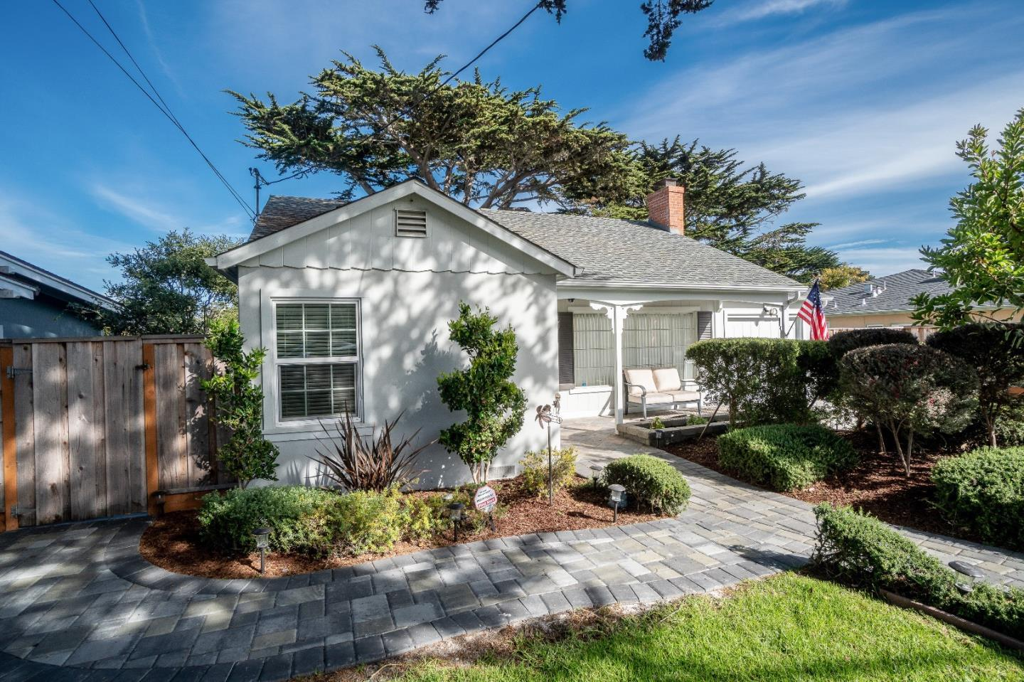 Beach Tract Cottage