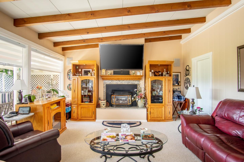 Comfort and Views in Del Rey Oaks