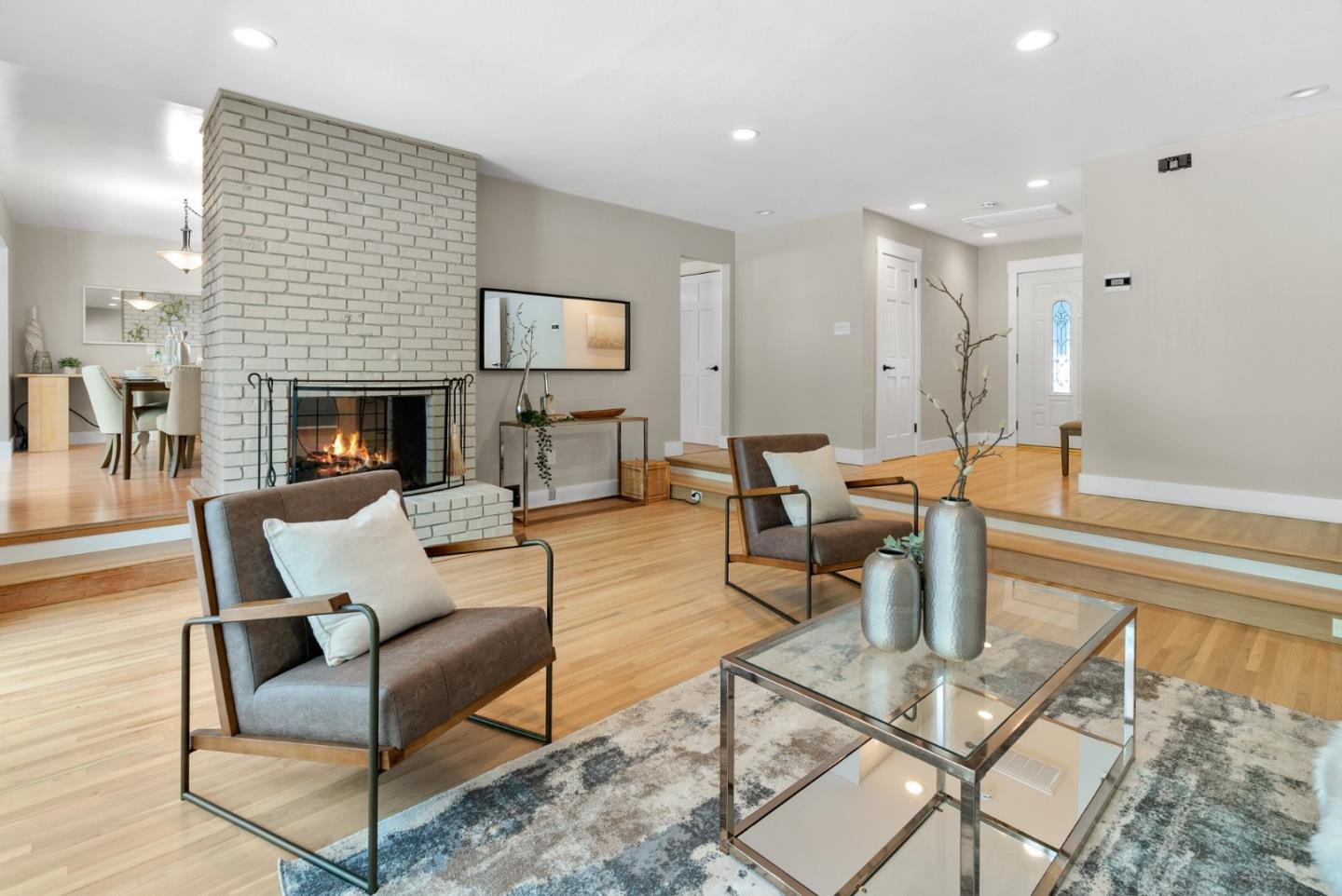1699 English DR preview