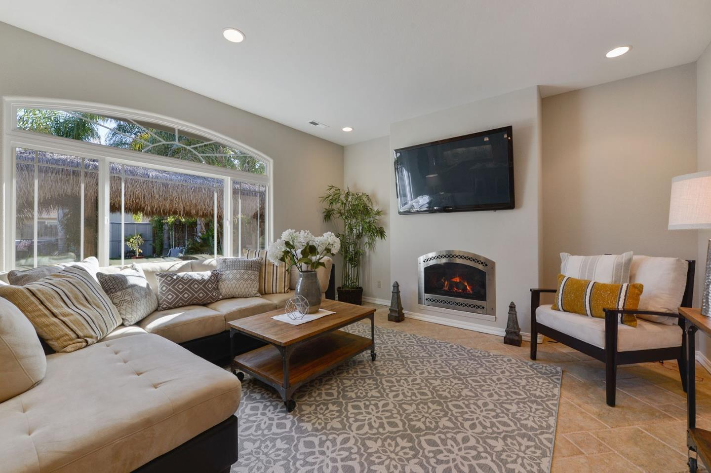 14904 Bronson AVE preview
