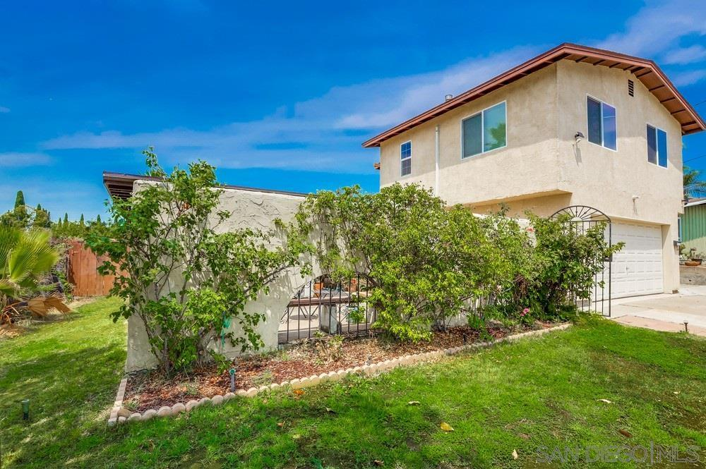 6070 Howell Dr photo