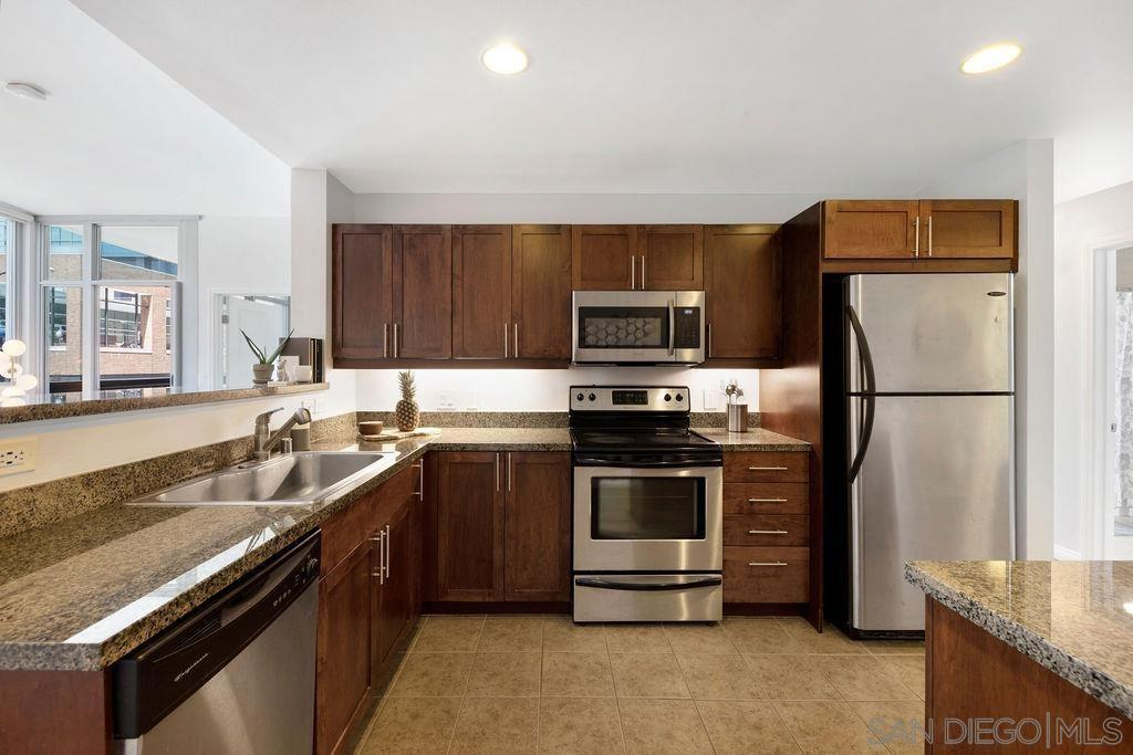 253 10th Ave #221 photo