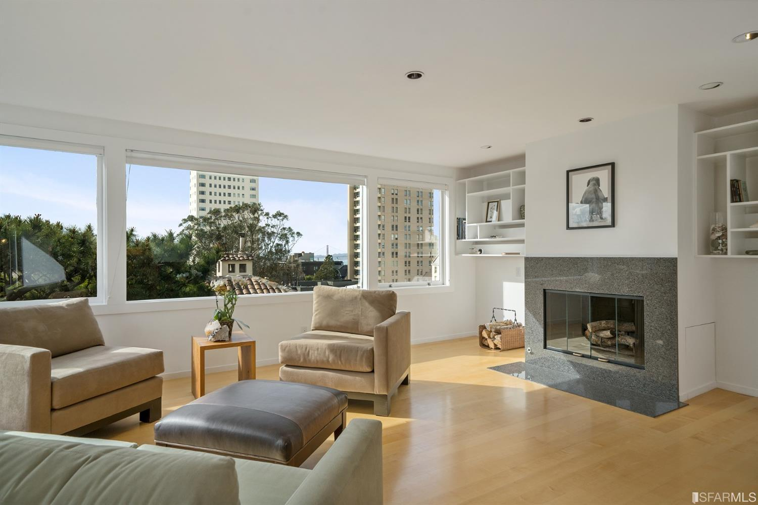 4 Russian Hill Place