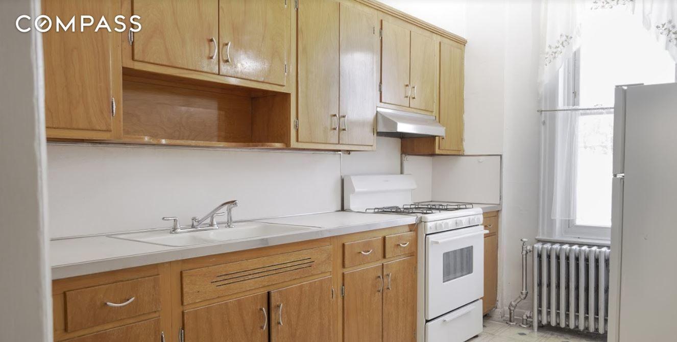 61-43 Linden Street Unit: Building photo