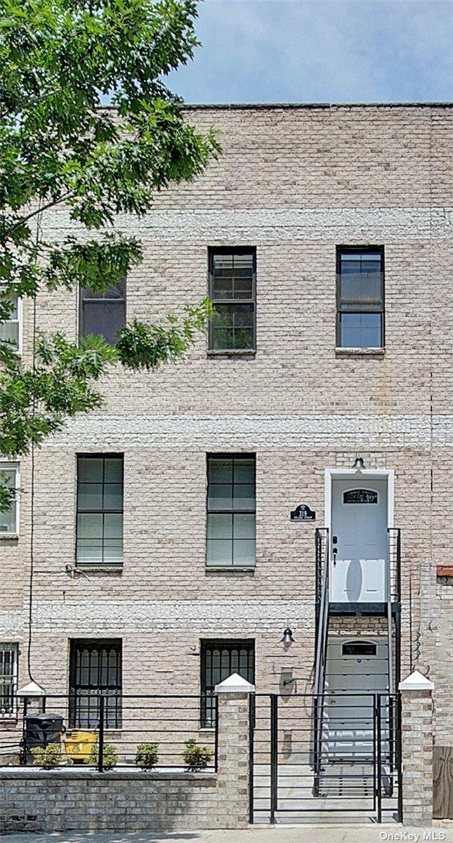 319 Pulaski St Unit: 1 photo