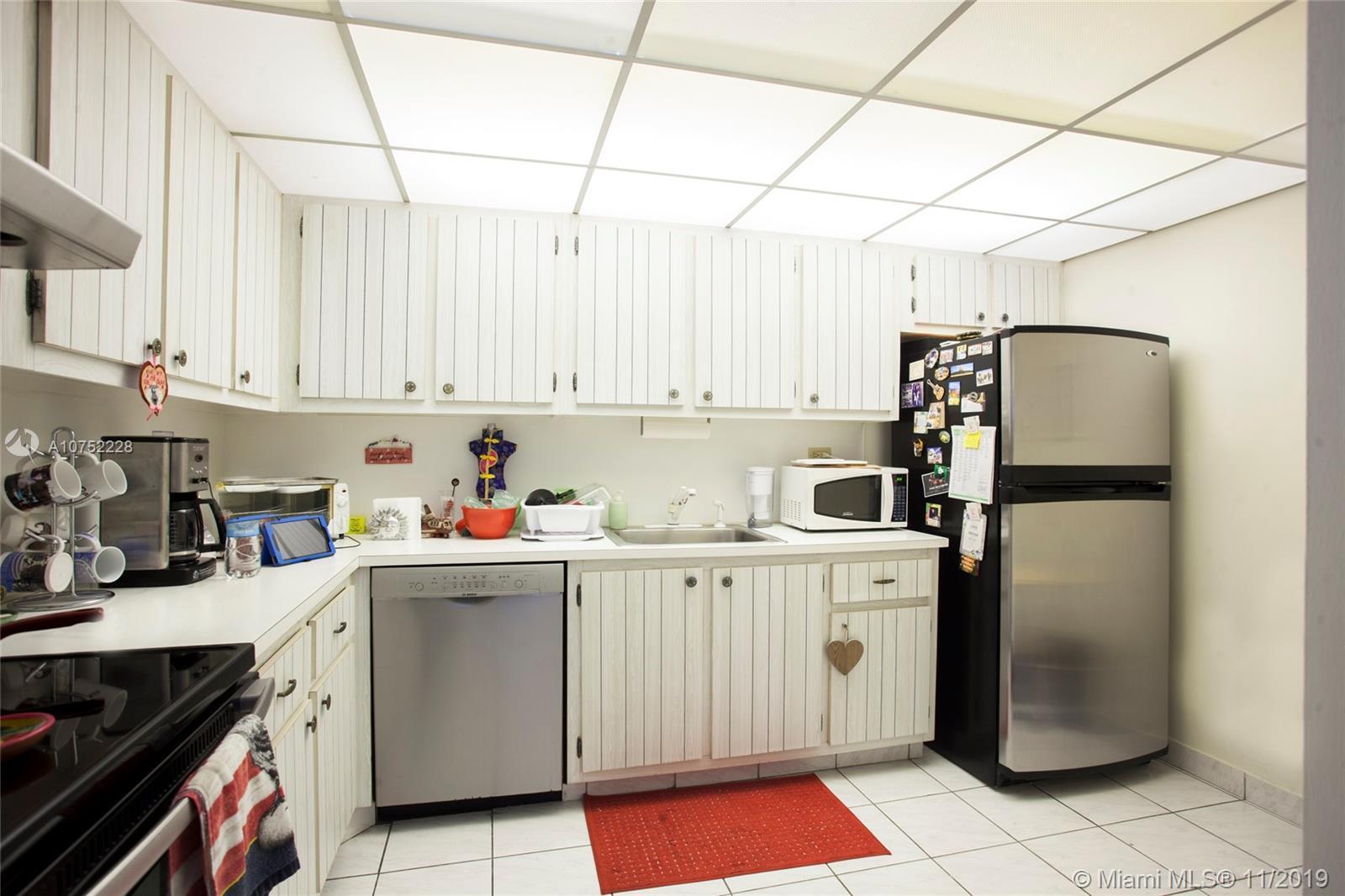 6039 Collins Ave Unit: 1521 photo