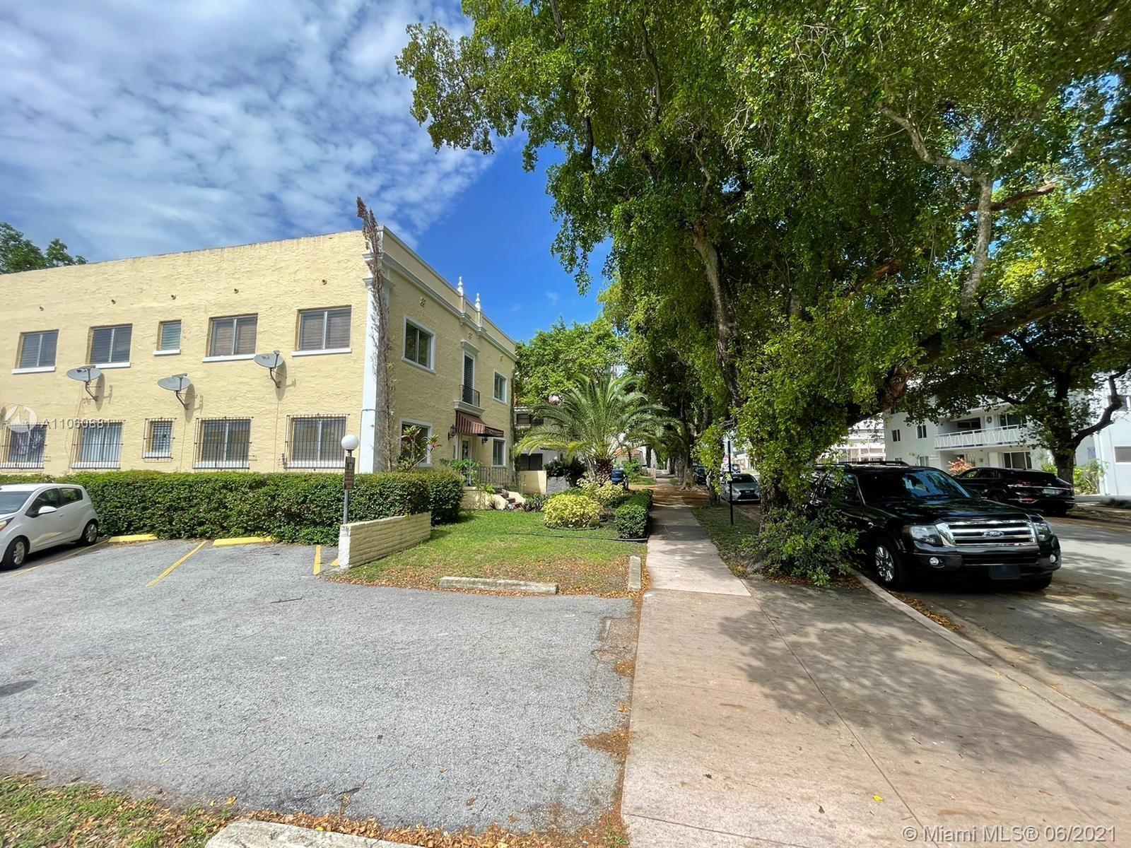 223 Calabria Ave Unit: 8 photo