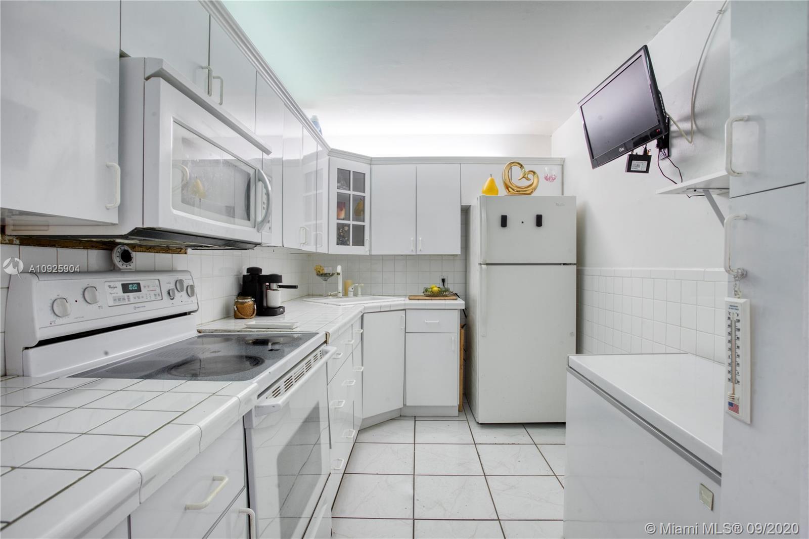 6969 Collins Ave Unit: 1408 photo
