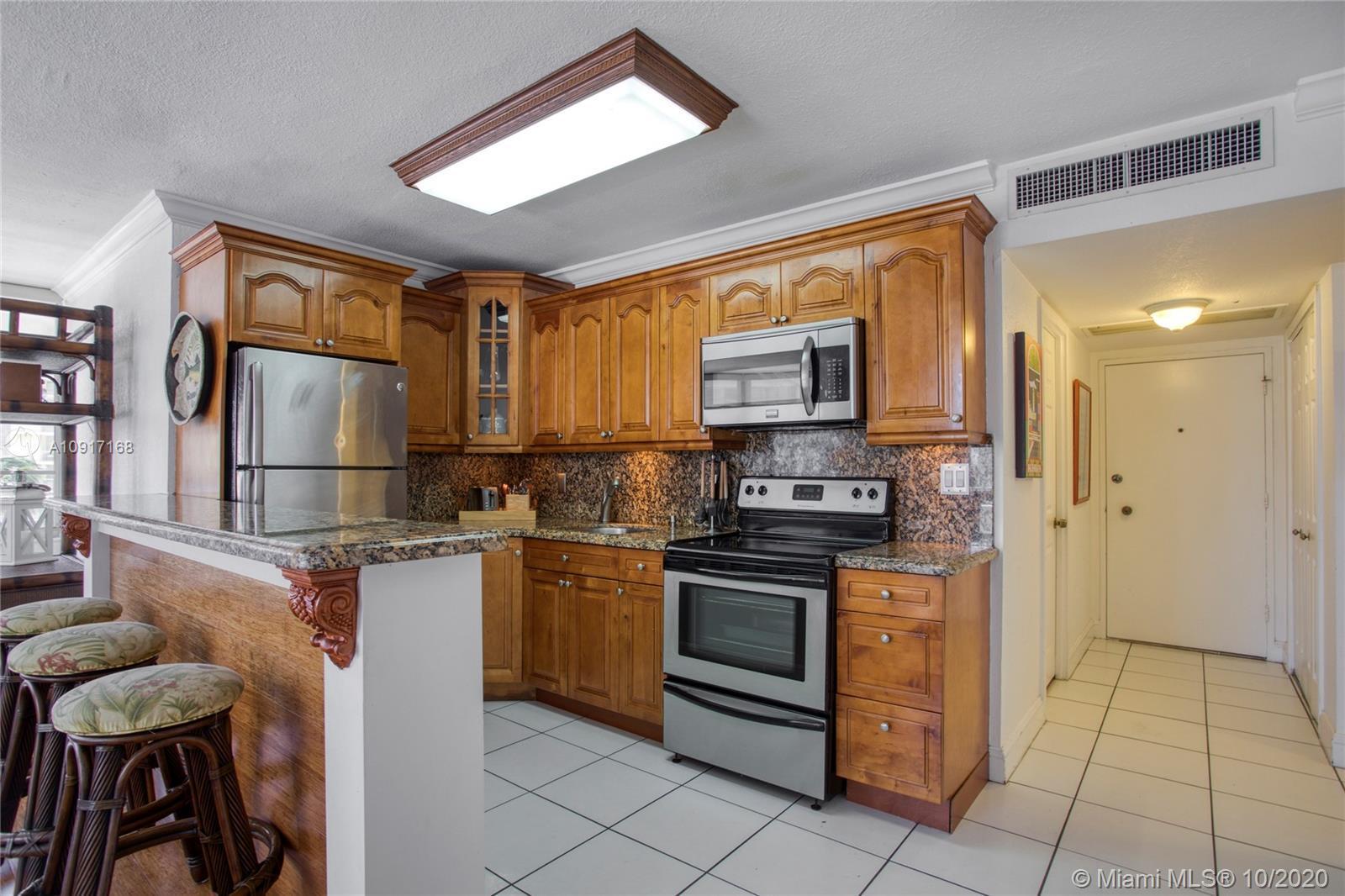 5555 Collins Ave Unit: 6A photo
