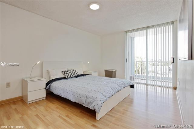 7832 Collins Ave Unit: 402 preview