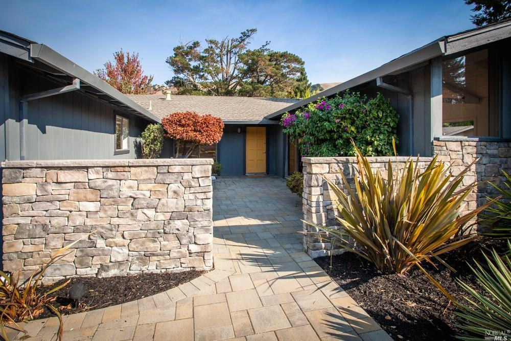 54 Mount Tallac Ct