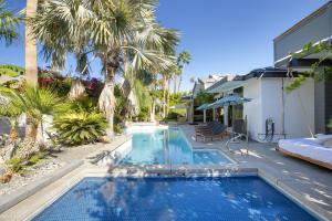 1031 Andreas Palms Drive