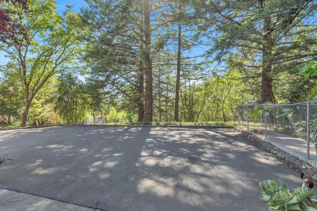 610 White Cottage Road