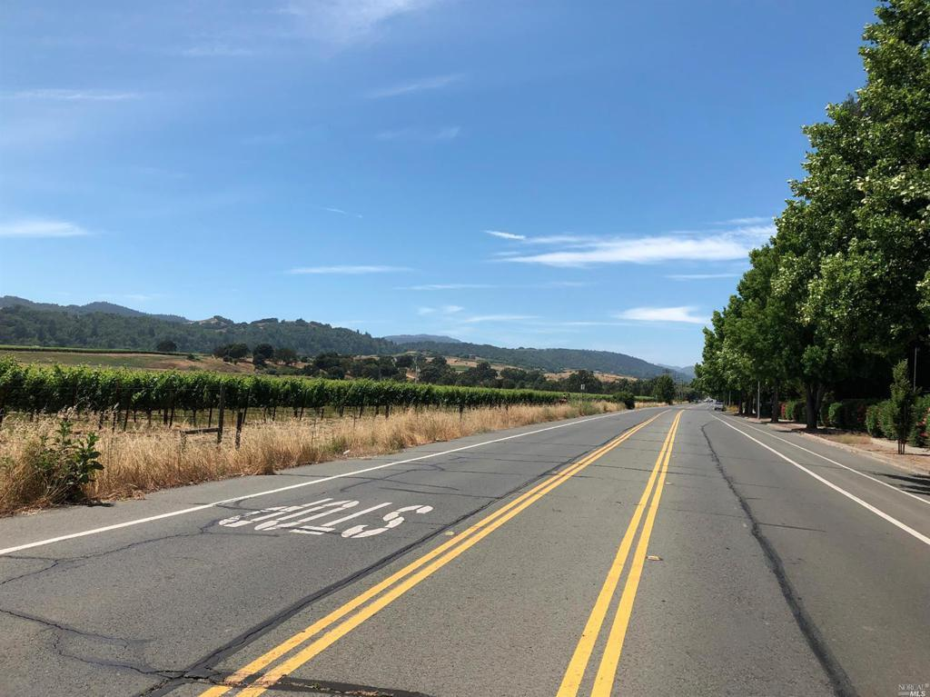 2595 Wine Country Avenue