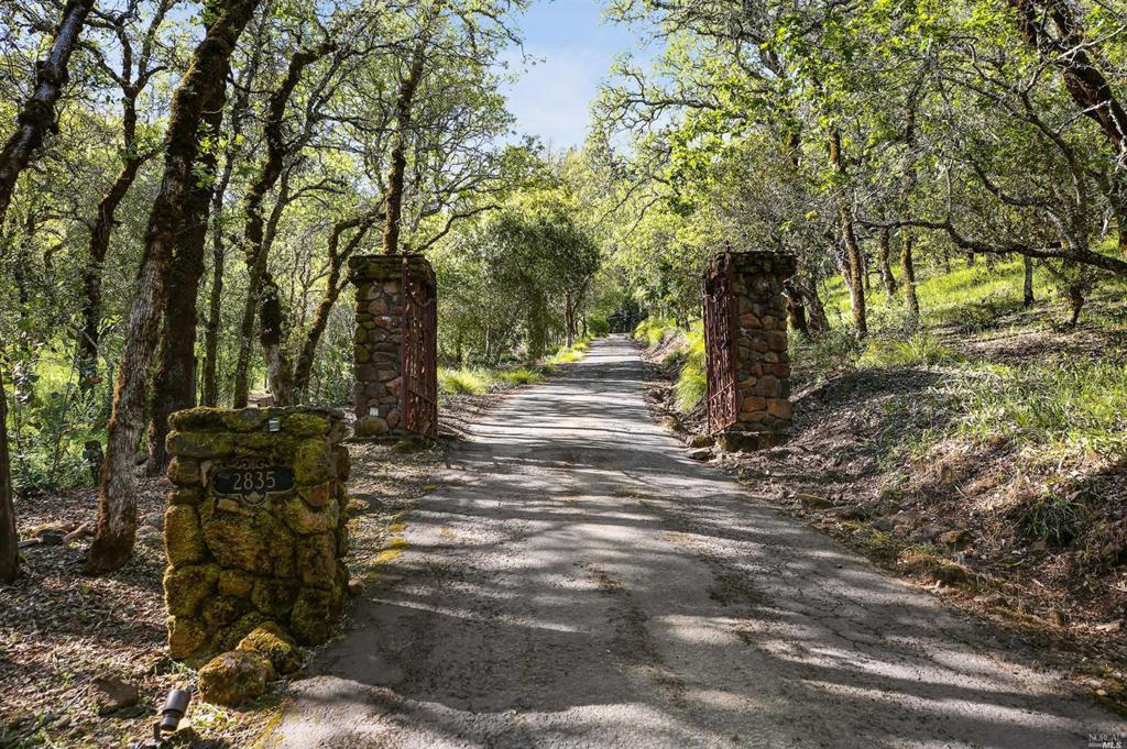 2835 Saint Helena Highway North