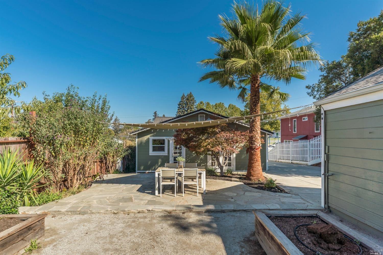 6 Montecito Boulevard