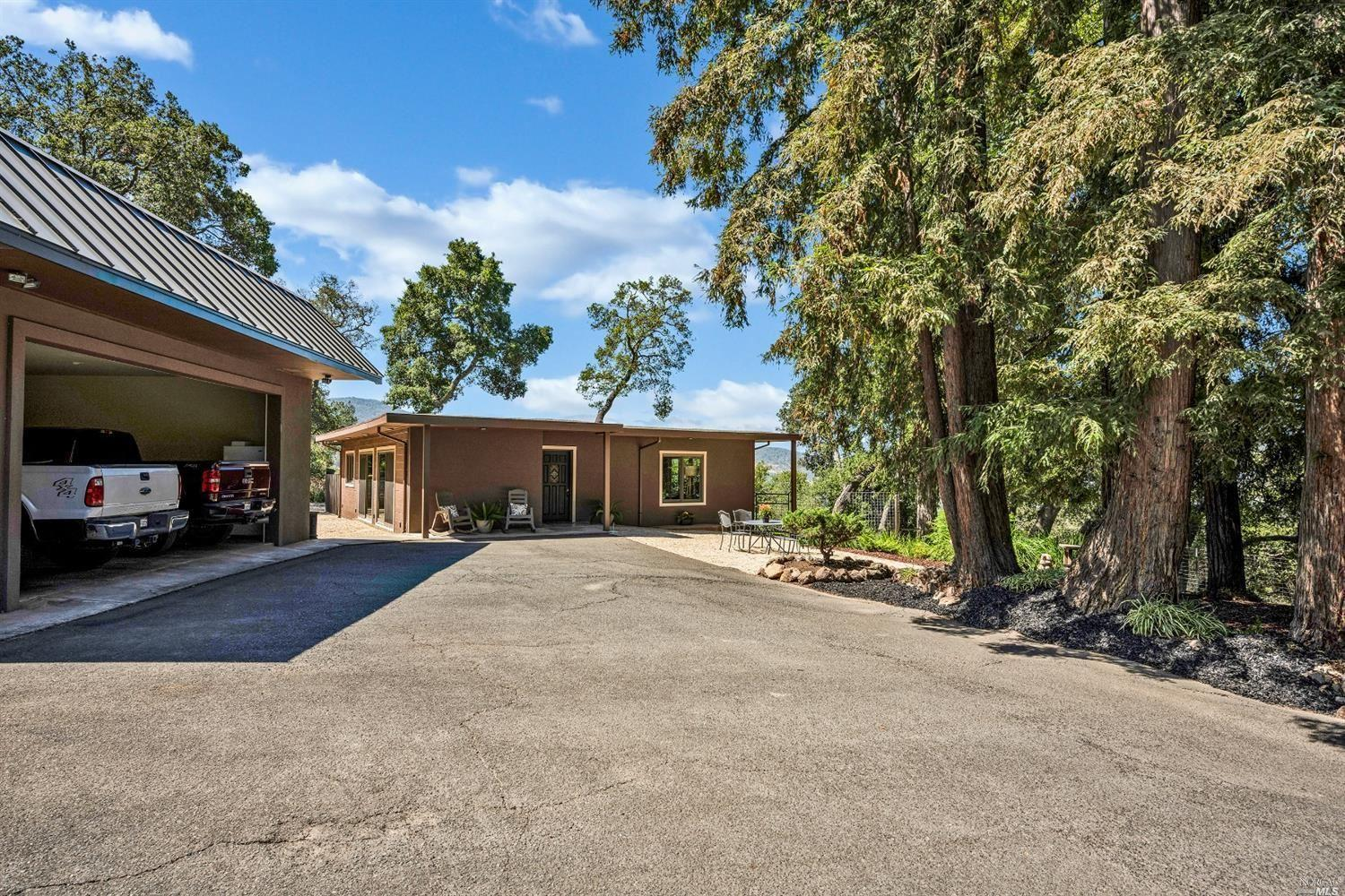 5370 Country Lane