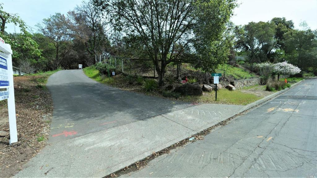 377 St Andrews Drive