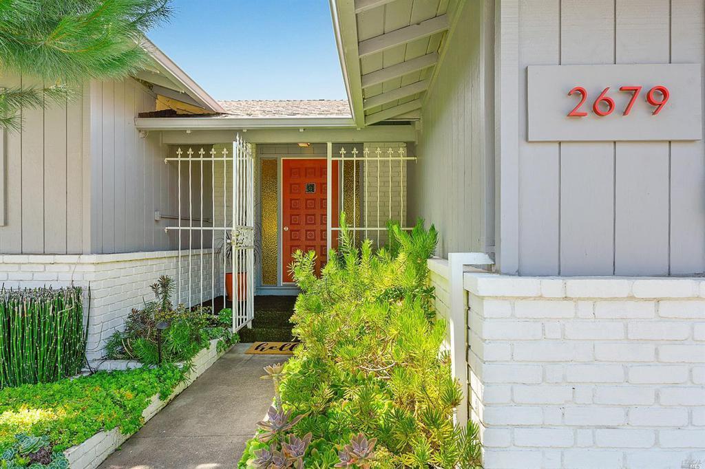 2679 West Pueblo Avenue