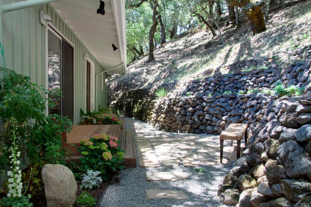 2486 Spring Mountain Road