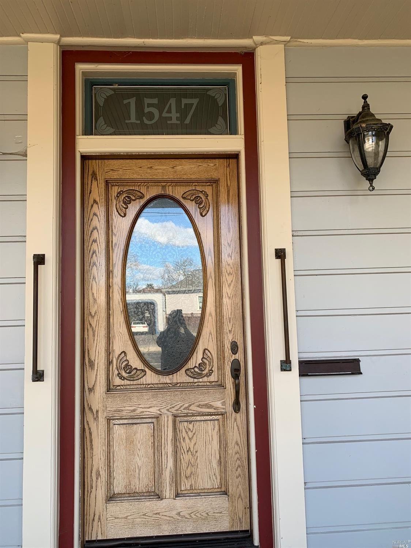 1547 3 Street