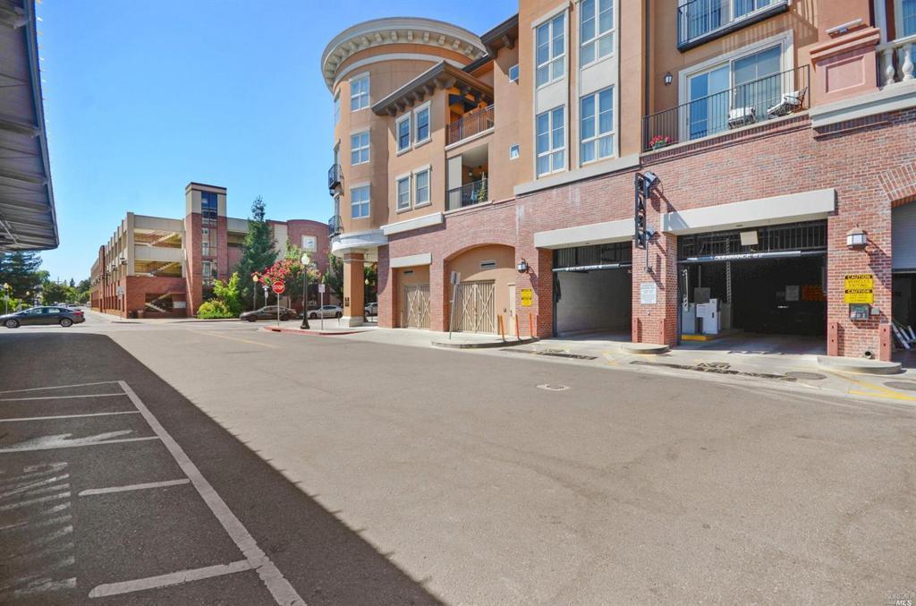 588 Main Street Unit: 210