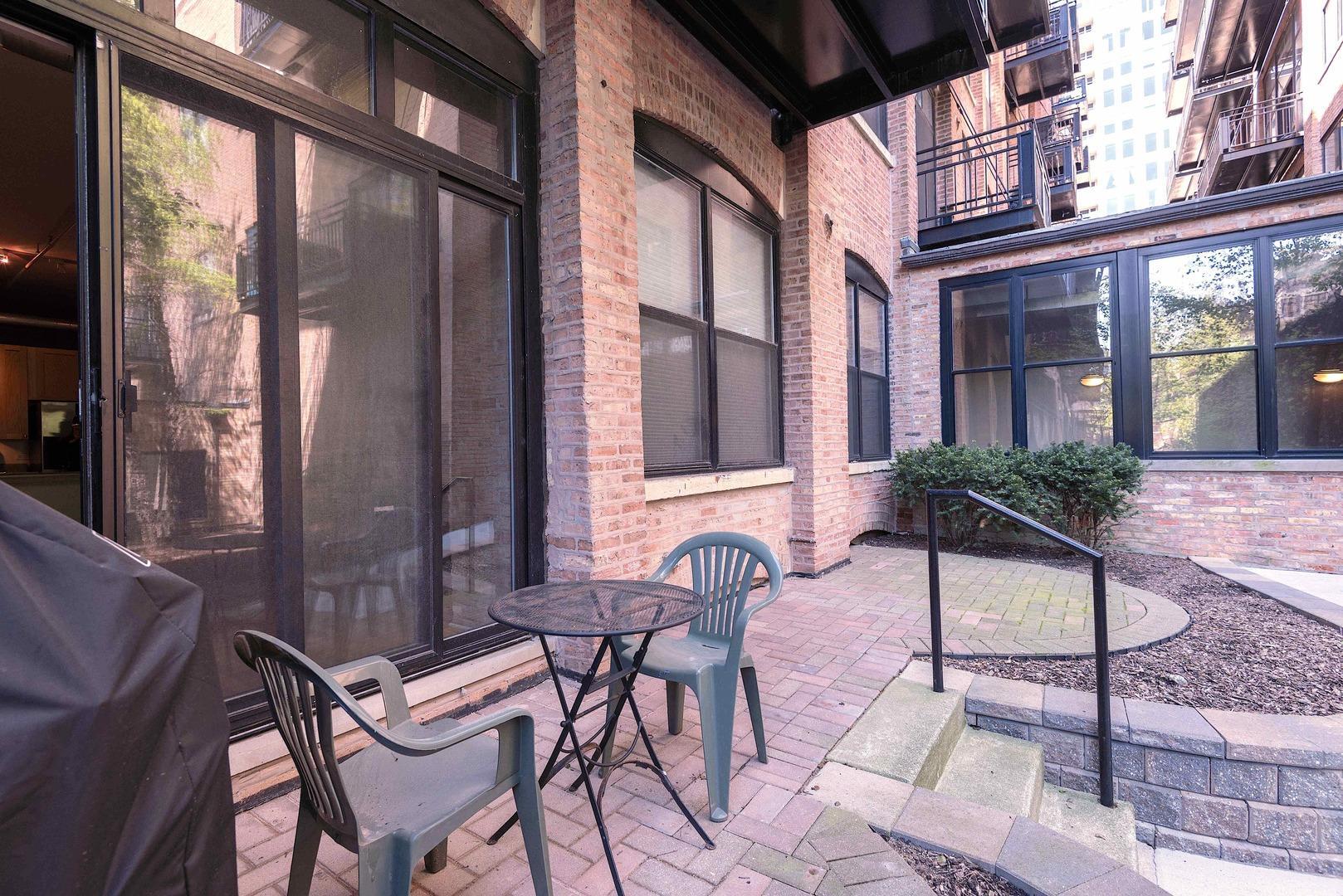 520 W Huron  Street, Unit 106 photo