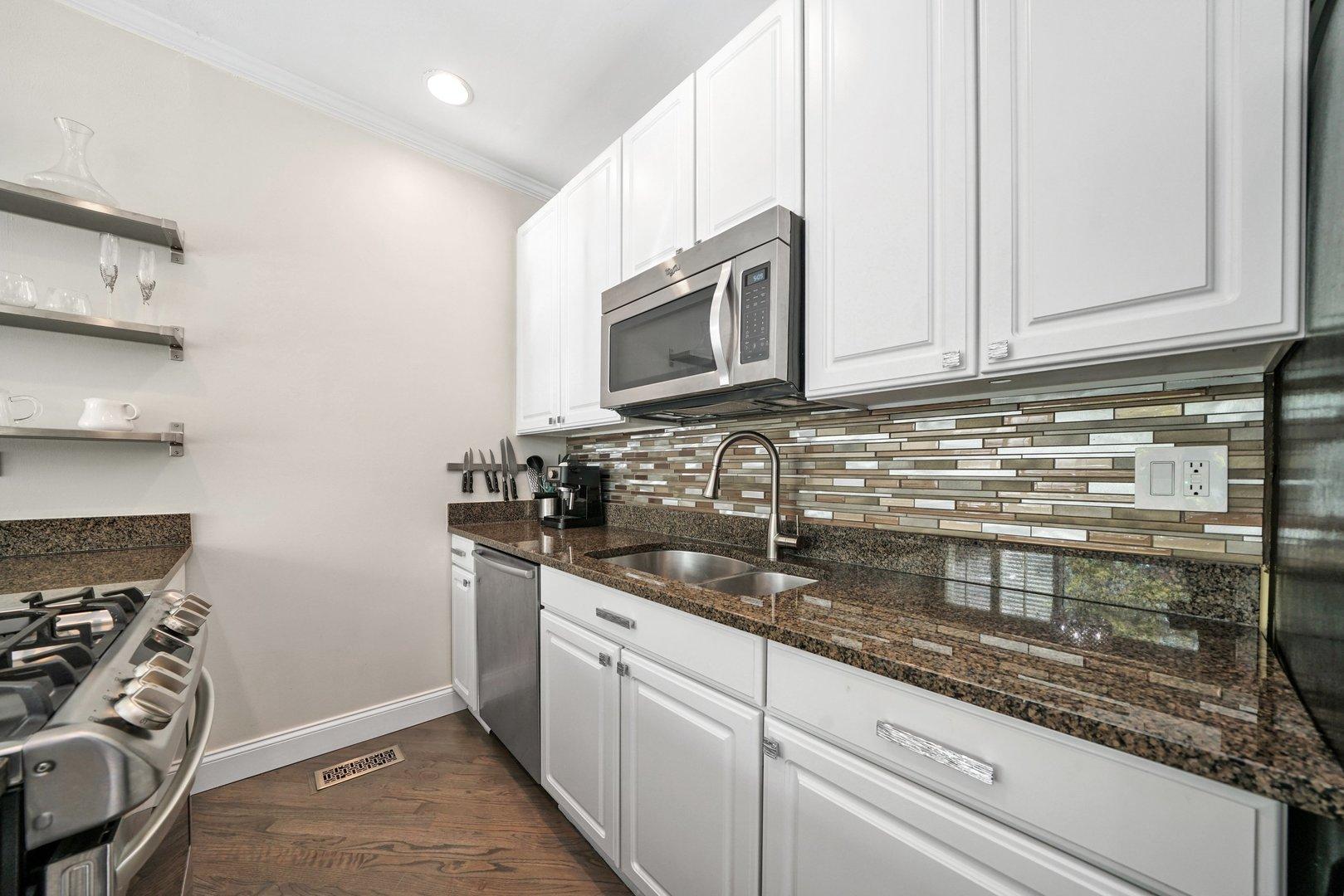2825 N Wolcott  Avenue, Unit K photo