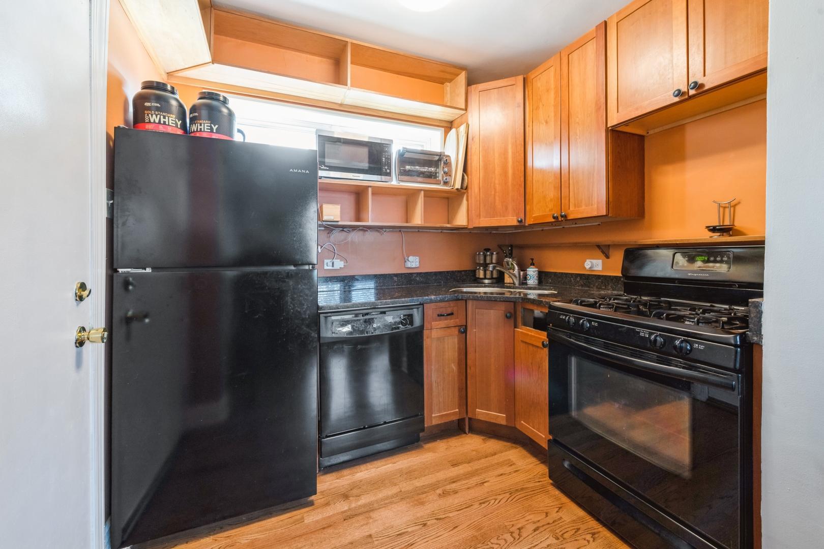 2711 W BELDEN  Avenue, Unit 1 photo