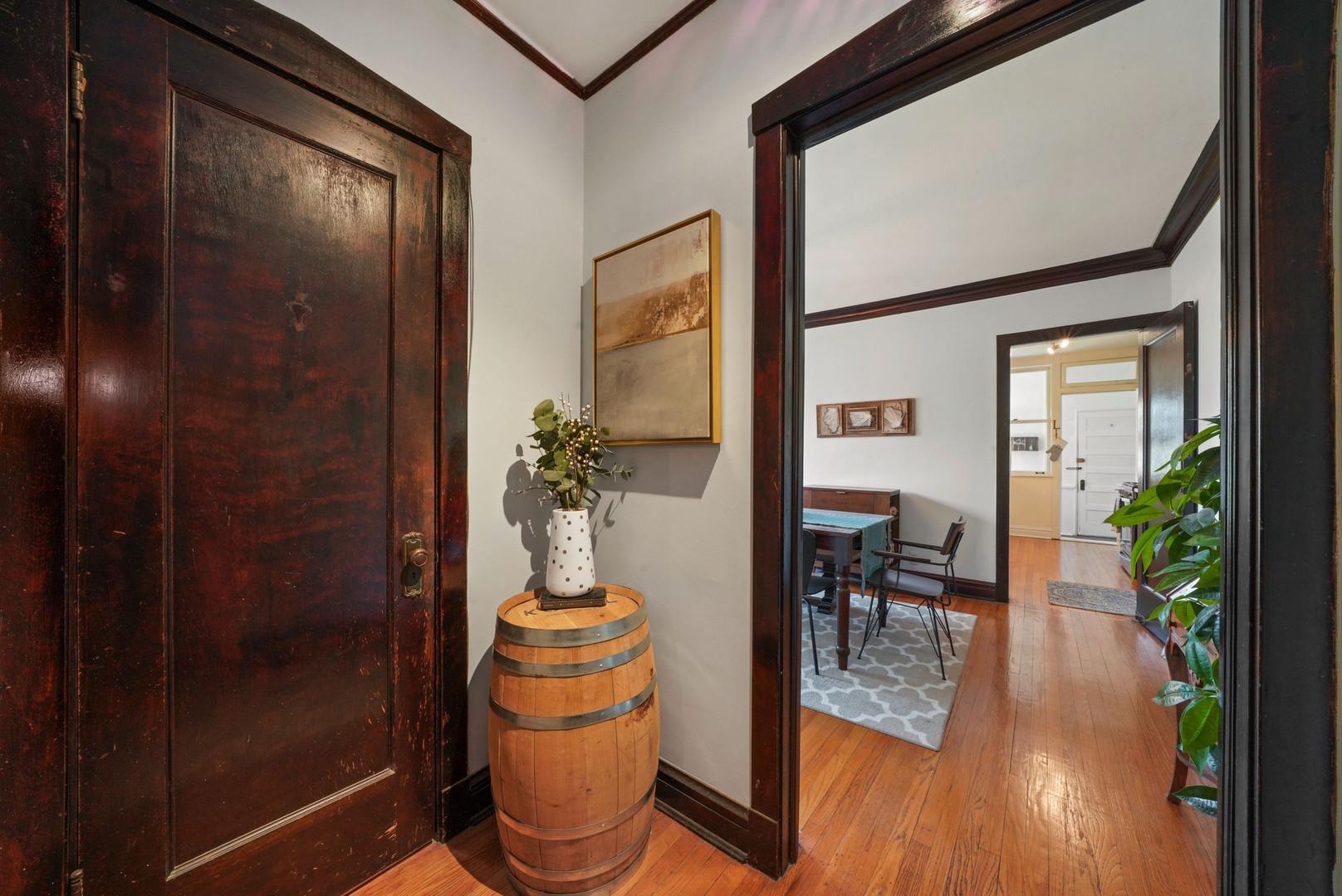 1432 W WINONA  Street, Unit 3W photo