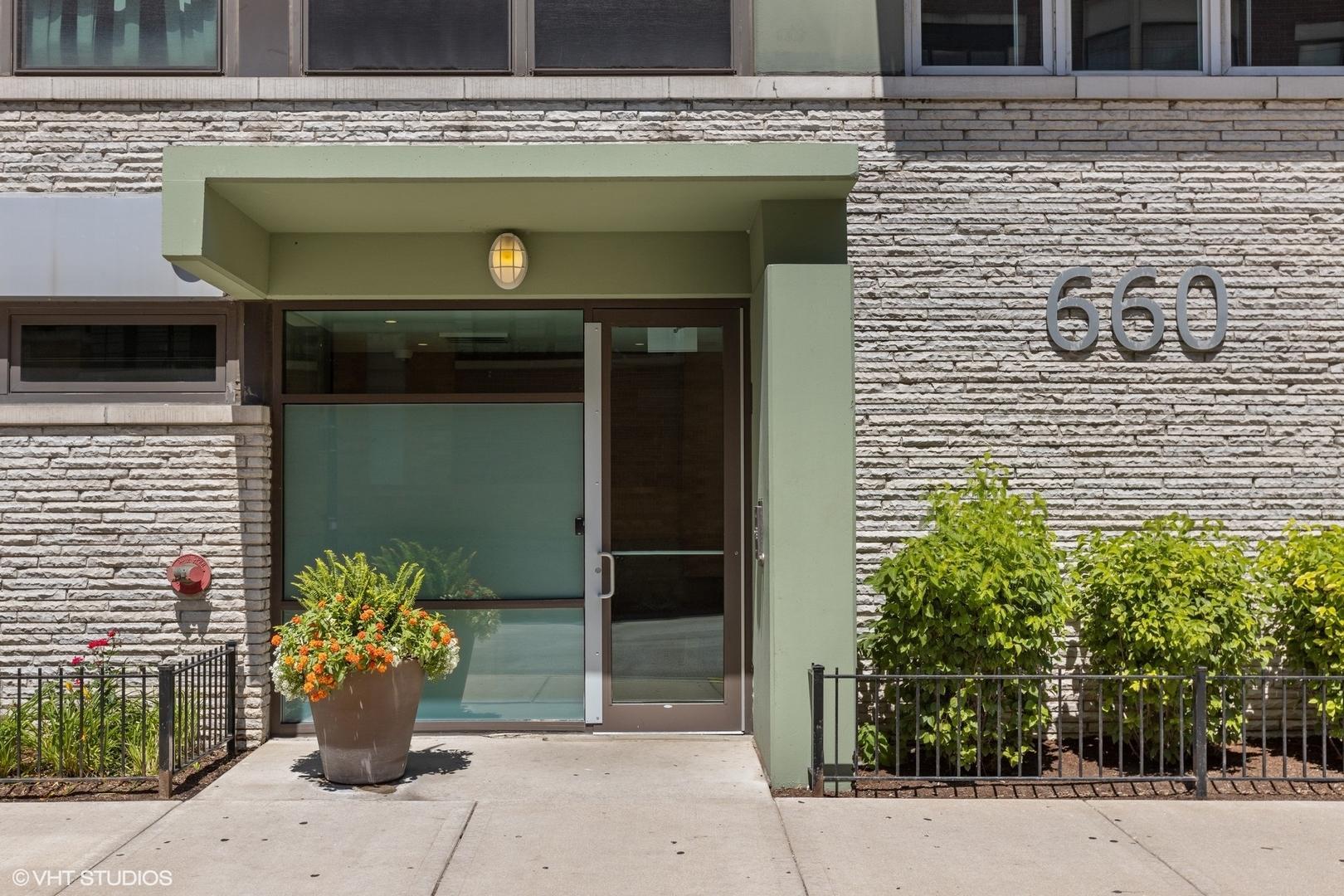 660 W Wayman  Street, Unit 107B photo