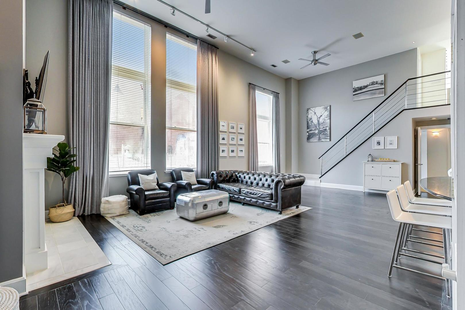 1660 N Hudson Ave, #3D photo