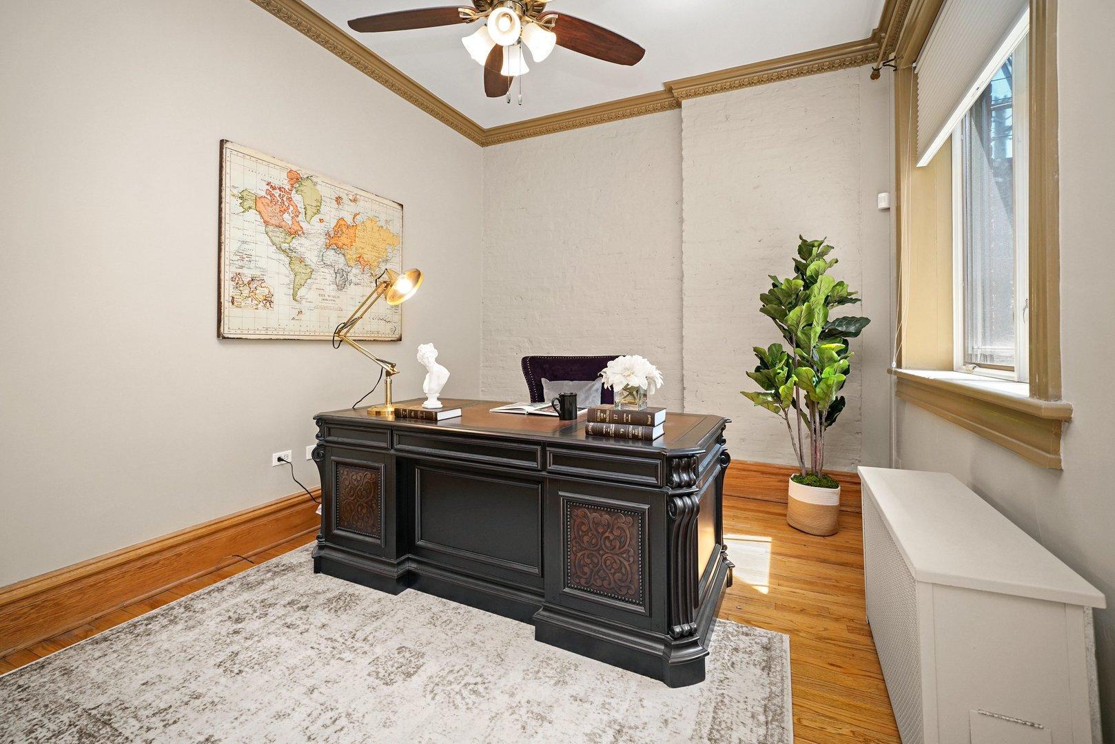 437 W Roslyn  Place photo