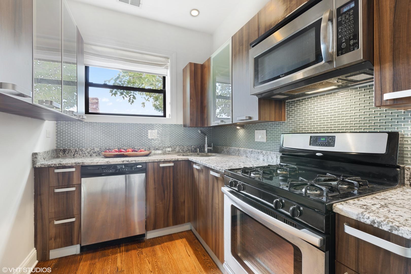 4455 N HAMILTON  Avenue, Unit 3 photo