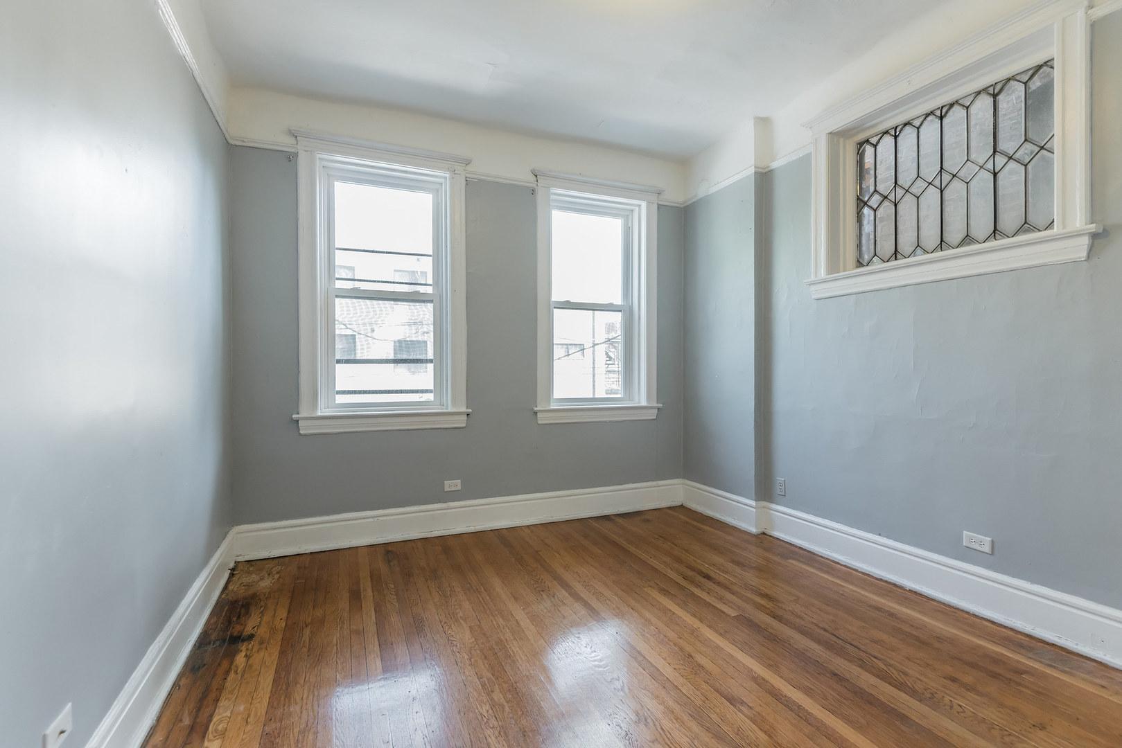 1022 W Belmont  Avenue, Unit 2 photo