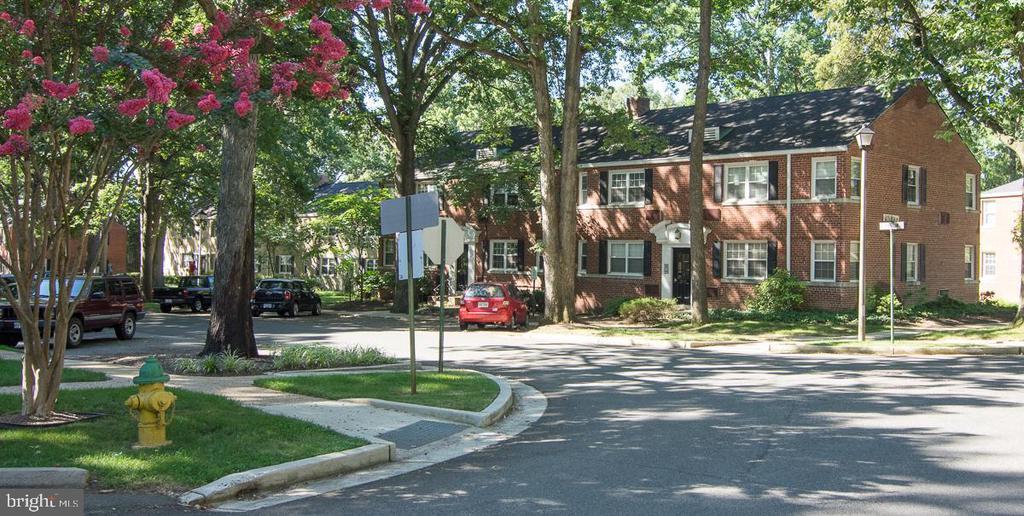 208 N TRENTON STREET Unit: 208-2 photo