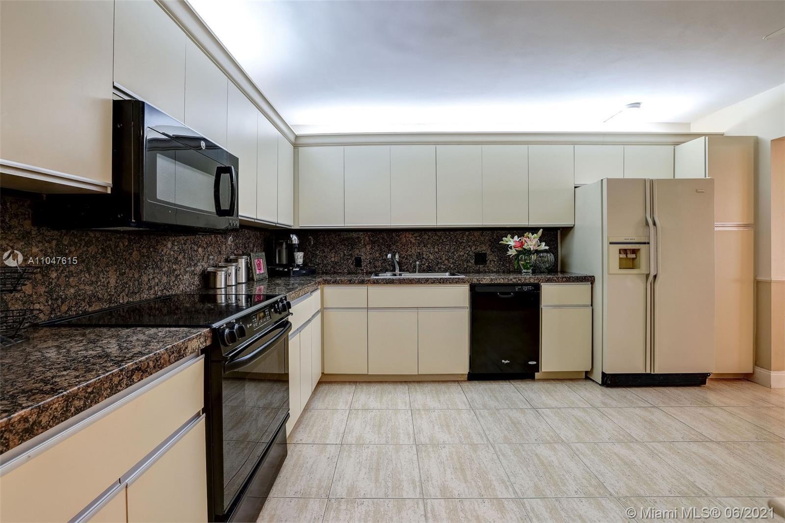 8777 Collins Ave Unit: 405 photo