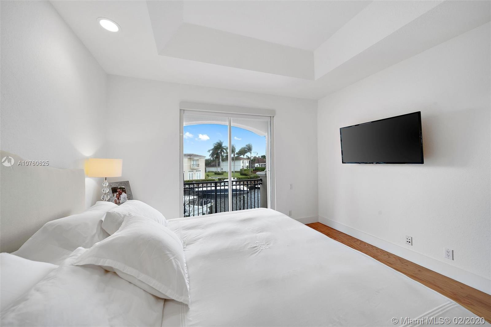 921 HARBOR VIEW N preview