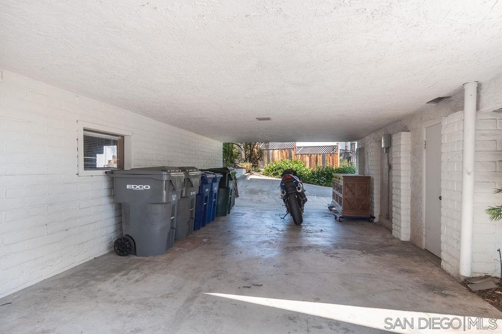 10750 Anaheim Dr photo