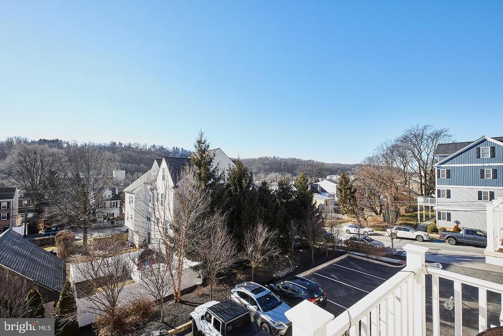 807B Spring Mill Avenue photo